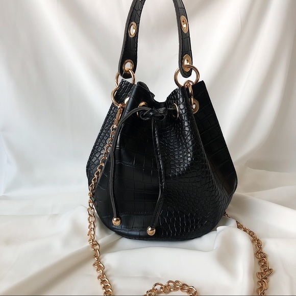 Handbags - Croc Bucket Bag